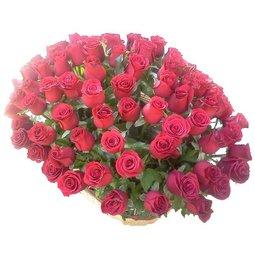 Cos de 101 trandafiri