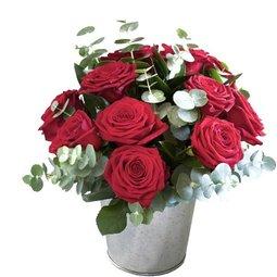 Trandafiri in vas vintage