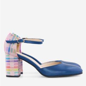 Pantofi decupati din piele naturala albastra Perlita