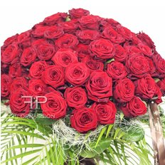 101 Red Naomi Bouquet