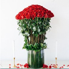 Valentines Day Red Roses | Sending 101 Roses to Milan | FlorPassion Luxury Florist
