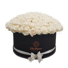 150 White Roses Box