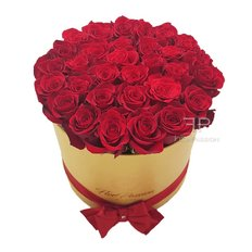 Gold Rose Box | Red Roses | Send Flowers to Milan Same Day Delivery