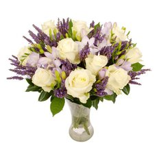 Roses and Lavander Bouquet | Sending Flowers to Milan