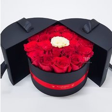 Send Flowers to Milan | Rose Box Same Day Delivery Milan