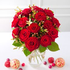 Red Roses Christmas Bouquet | Sending Christmas Flowers to Milan