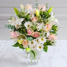 BIrthday Flowers to Milan | Best Online Florist | Send Flower