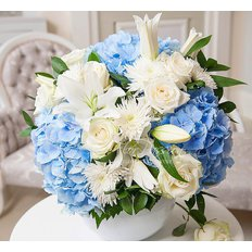 Light Blue Flowers Arrangement | Best Milan Florist